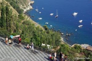 Vista desde la Plaza IX Abril de Taormina
