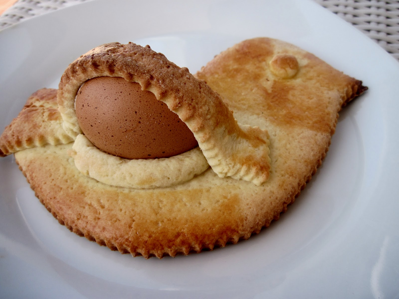 bizcocho semana santa sicilia aceddu cu l'ovu