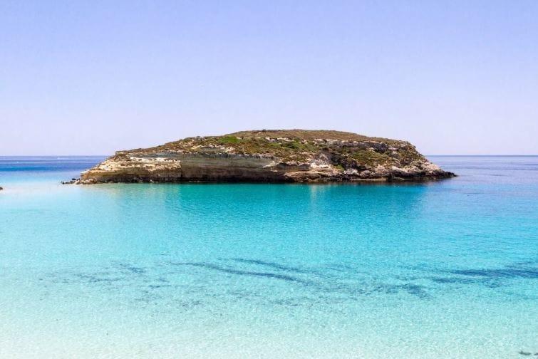 isla de los conejos lampedusa sicilia